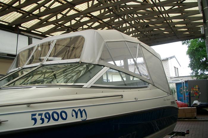 zweiteiliges Bootsverdeck aus Acrylstoff