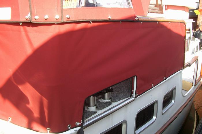 Bootsverdeck zweiteilig mit Fenstern und Reißverschlüssen