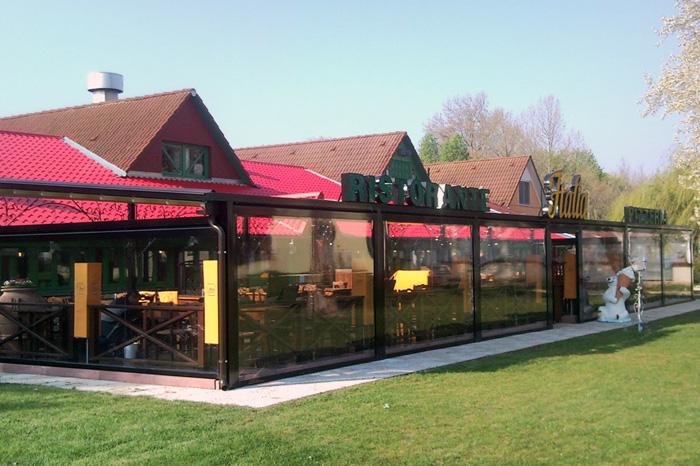Intenda Cristall Rollvorhang für Restaurant Pergola