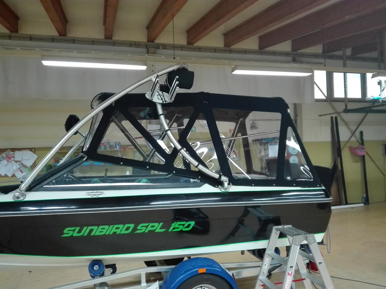Bootsverdeck für Motorboot aus Yachtmaster-354 mit Scheiben