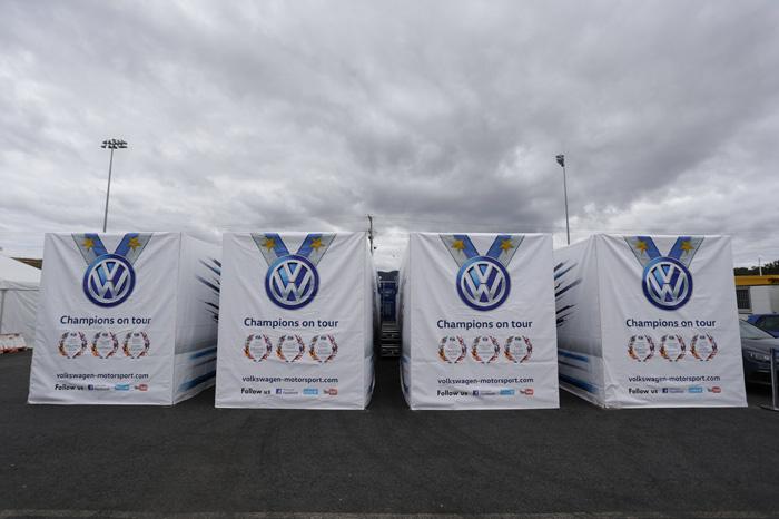 Container Abdeckhauben mit Digitaldruck für VW-Motorsport